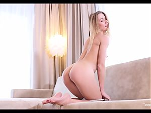 nubile doll Alexis Crystal Finger Her appetizing vag