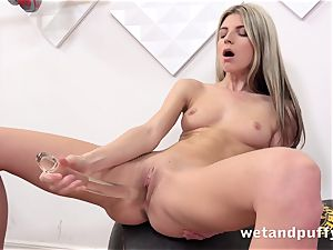 humid tastey fuckbox with yoga honey Gina Gerson