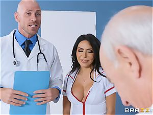 Lela starlet getting romped in the doctors