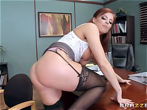 sandy-haired manager Britney Amber pounds a super-naughty worker