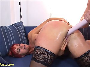well-lubed round mummy gets buttfuck pumped