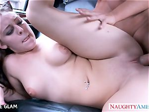 hottie nubile Gracie Glam tears up in the car