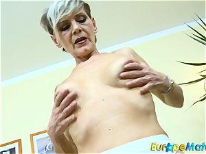 EuropeMaturE slender grannie Ivana Solo fingering