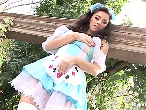 Pretty adult movie star Taylor Vixen gets nasty in Wonderland