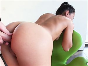 Apolonia Lapiedra lets her stud come in her jiggly bum