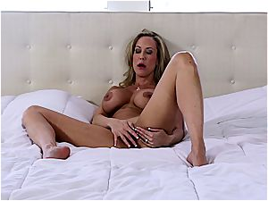 Hardbody milf Brandi nutting rock-hard