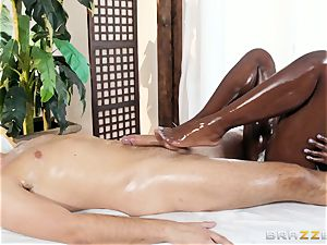 Kerian Lee rams his greased meatpipe into scorching ebony honey Ana Foxxx