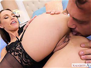 kinky Aidra Fox seduces draped mechanic