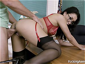 instructor Vicki chase drills with One of Her college girl