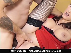 audition ALLA ITALIANA - big-boobed brown-haired loves raw anal invasion