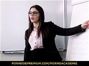 porn ACADEMIE - professor Valentina Nappi MMF 3 way