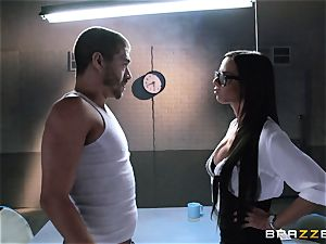 Brandy Aniston plumbs the humungous cock of a very mischievous fellow