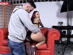 Spanish sex industry star seduces random guy into hook-up on webcam