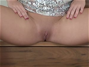 Alluring Angela Sommers shows off her beef curtains
