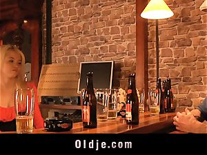 English senior weirdo ravages nice american teeny in a bar