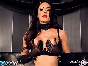 Jessica Jaymes toying with her jaw-dropping fuckbox pie
