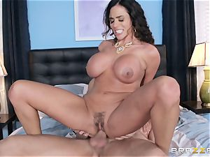 Ariella Ferrera and Alena Croft share prick together