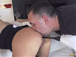 Maid Anissa Kate getting her sweet butt romped by a ginormous trunk
