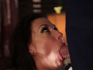 Rachel Starr ravaging an unexpected visitor