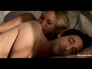 Yvonne Strahovski - Manhattan Night