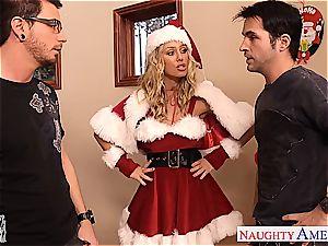 ultra-cute Santa babe Nicole Aniston take two peckers