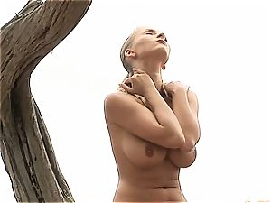 Chiquita got an inverted nip