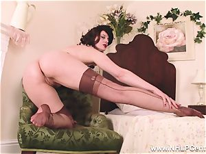 red-hot mummy fake penises fucktoy to orgasm in stockings suspenders